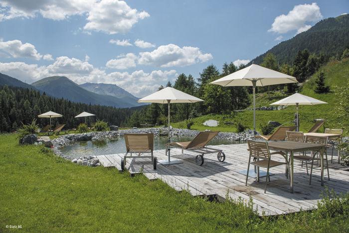 Granite umbrella base add more convenience to your outdoor